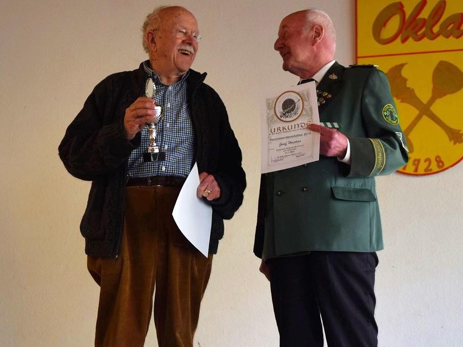 Die Vereinsmeister bei den Senioren C: Alfons Kessenich 1. Platz und Josef Heisters 3. Platz