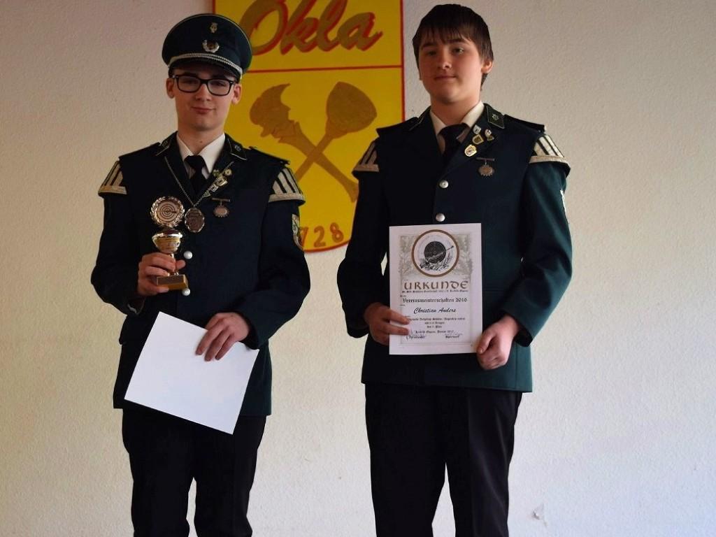 Die Meister bei den Schülern: Jan Philip Bryllowski (l.) 1. Platz und Christian Anders (r.) 3. Platz