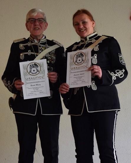 Vereinsmeister in der Altersklasse der Damen: Renate Macey (2. Platz) und Susanne Anders (3. Platz)