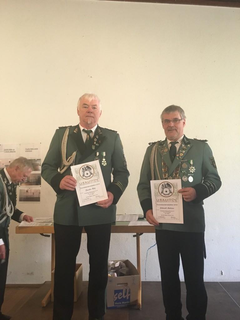 Sieger Senioren A: 2. Andreas Schmidt (re), 3. Rolf Specker (li)